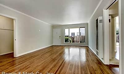 Living Room, 907 S Holt Ave, 1