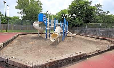 Playground, 3200 Thousand Oaks, 2