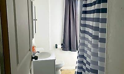 Bathroom, 849 Spruce Ave, 2