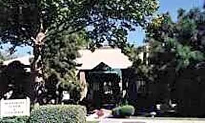 Pinewood Estates, 1
