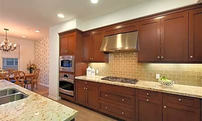 Kitchen, 16724 Clubhouse Dr, 1
