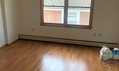 Bedroom, 50 Beacon Pl, 2
