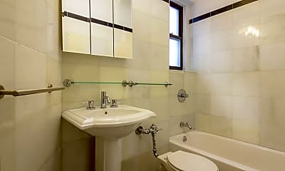 Bathroom, 90 Thompson St E3, 2
