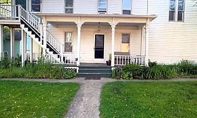 Building, 318 Maple St, 1