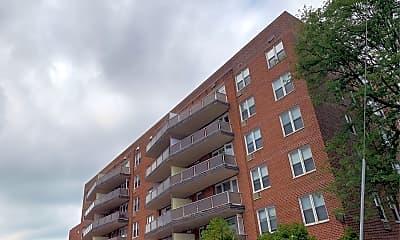 Summit Apartments, 2