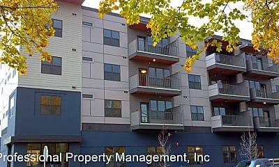 Building, 712 W Spruce St, 0