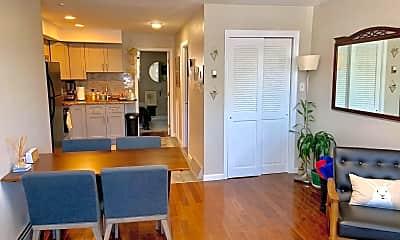Dining Room, 913 Washington Ave 1, 1