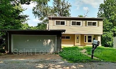 Building, 819 Oak Dr, 0