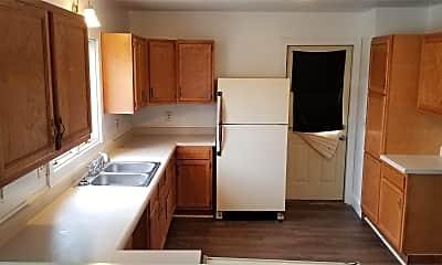 Kitchen, 301 Cedar St NE, 2
