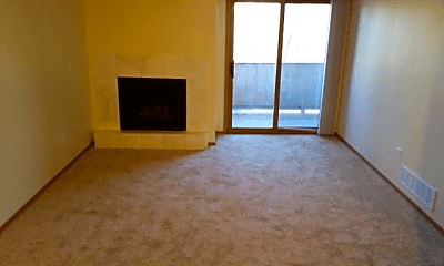 Living Room, 4611 Juneau St, 1