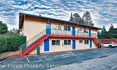 Building, 794 Deland Ave, 2