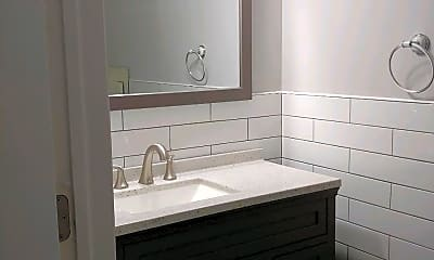 Bathroom, 19 Bear Mountain Ct, 2