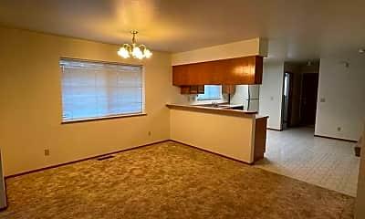 Living Room, 173 N Broadway St, 1