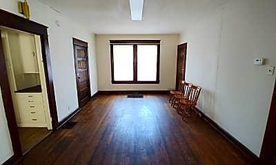Bedroom, 802 E Hunter Ave, 1