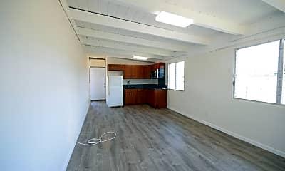 Kitchen, 1372 Hooli Cir, 1
