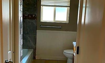 Bathroom, 438 Urie N Dr, 2