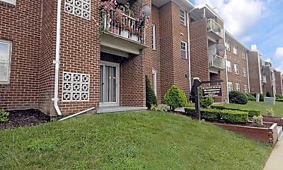 Queens Ridge Apartments, 1