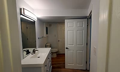 Bathroom, 1830 E Warren Ave, 2