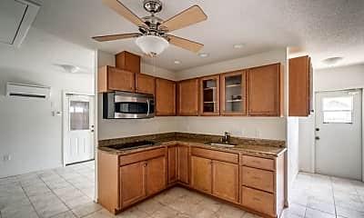 Kitchen, 5108 El Capitan St, 1