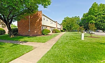 Building, Highland Woods Apartments, 1