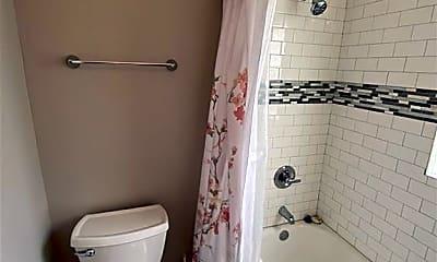 Bathroom, 1632 Orange St, 2
