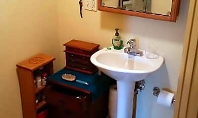 Bathroom, 305 E 3rd Street, 2