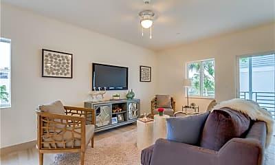 Living Room, 603 NE 28th St 4, 1