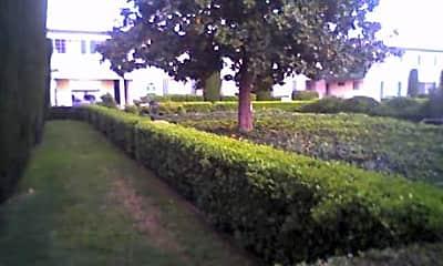 Colonial Way Apartments, 2