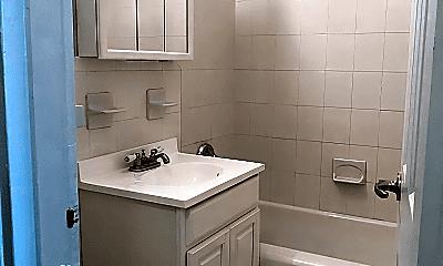 Bathroom, 450 Rockaway Pkwy, 2