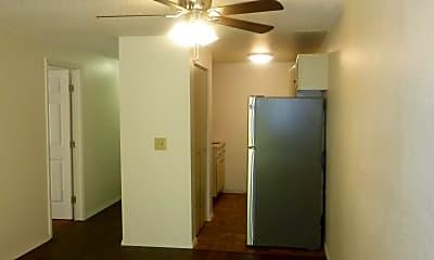 Living Room, 440 16th St NE, 1