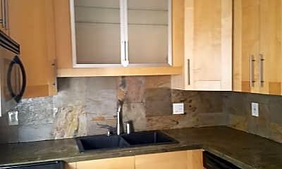Kitchen, 640 Chipley Ave, 1