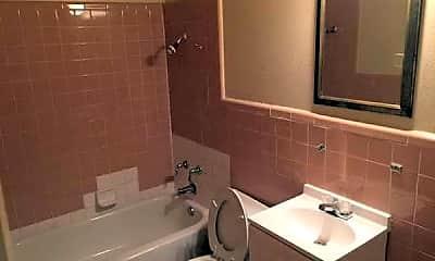 Bathroom, 1015 Hall Ave, 2
