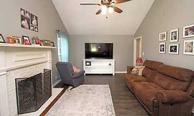 Living Room, 1933 Claymont Dr, 1