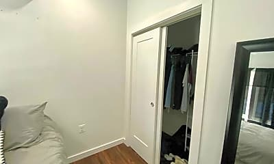 Bedroom, 824 N Calvert St, 2