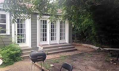 Patio / Deck, 810 E 30th St, 1