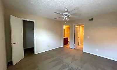 Living Room, 5104 Conroy Rd, 2