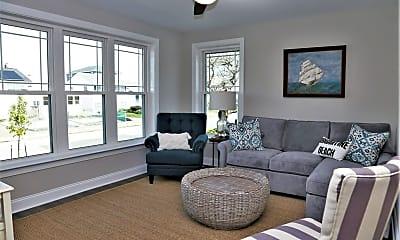 Living Room, 336 32nd St S, 1