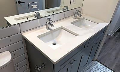 Bathroom, 5827 N Ridge Unit 303, 0