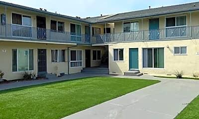 Building, 4633 August St, 1