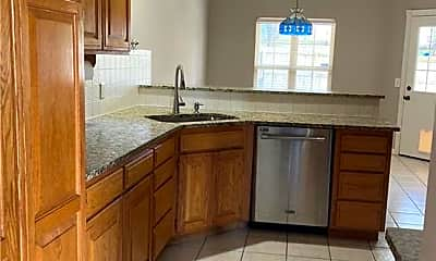 Kitchen, 705 Drake St, 1