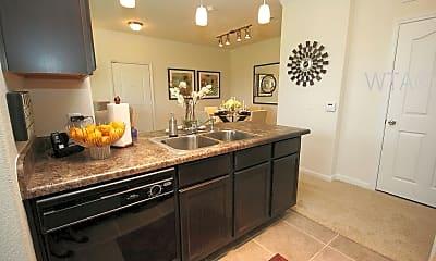 Kitchen, 5525 Mansions Bluffs, 1
