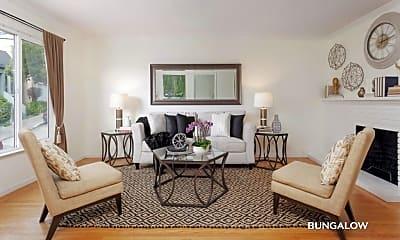 Living Room, 675 Prentiss St, 0