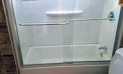 Bathroom, 36 Sumner St, 2