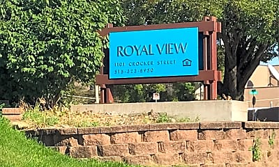 Royal View Manor, 1