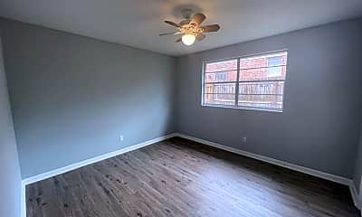 Living Room, 951 Park Forest Ln., 2