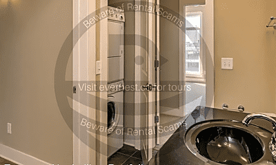 Bathroom, 817 3rd Ave N, 2
