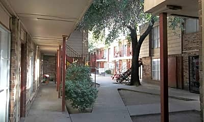 Liberty Apartments, 2
