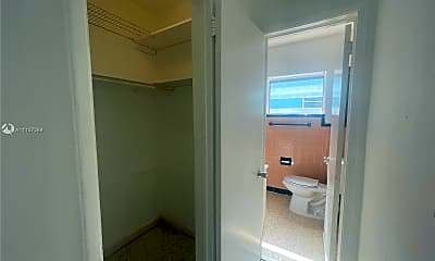 Bathroom, 800 83rd St 3, 2