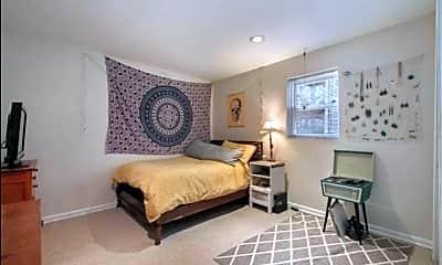 Bedroom, 2455 N Sawyer Ave, 1