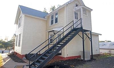 Building, 103 Quinnipiac Ave, 1